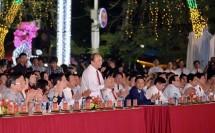 thu tuong nguyen xuan phuc du khai mac le hoi hoa phuong do 2018