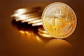 gia bitcoin ngay 135 tiep tuc giam tham hai
