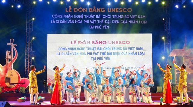 """Đón bằng UNESCO công nhận """"Nghệ thuật Bài chòi"""" là Di sản văn hóa phi vật thể đại diện nhân loại"""
