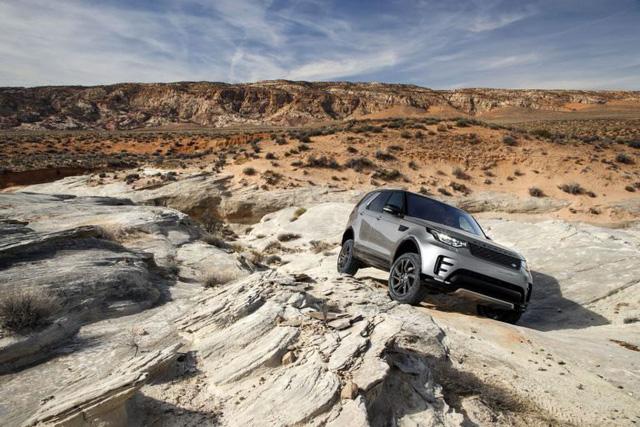 Jaguar Land Rover phát triển công nghệ off-road tự lái