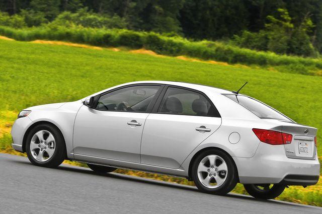 Hyundai và Kia bị kiện cố tình bán xe lỗi túi khí ra thị trường
