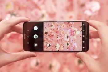 huawei nova 3e chiec smartphone tam trung sang gia