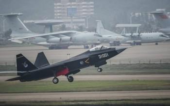 Trung Quốc có thể cử chiến đấu cơ hộ tống Kim Jong-un tới Singapore