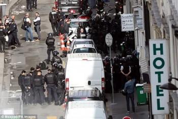 Vụ bắt giữ con tin tại Paris: Không phải là âm mưu khủng bố?