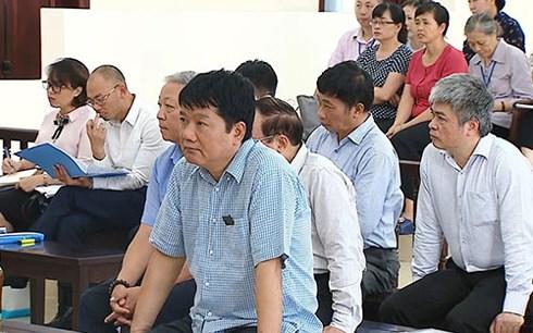 Vụ PVN mất 800 tỉ: Bị cáo Đinh La Thăng phủ nhận trách nhiệm