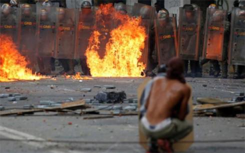 my trung phat cac quan chuc venezuela