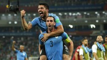 uruguay 2 1 bo dao nha hai ban thang cho cavani