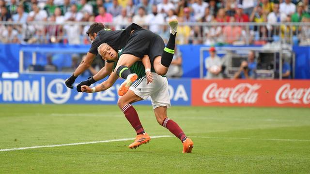 brazil 2 0 mexico dau an dac biet cua neymar