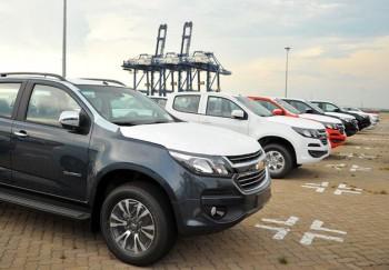 Đã có Toyota Fortuner cập cảng làm thủ tục nhập khẩu