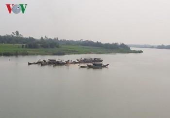 Quảng Trị: Sạt lở bờ sông ngày càng nghiêm trọng do khai thác cát 