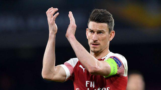Đội trưởng Arsenal làm loạn, từ chối du đấu cùng CLB