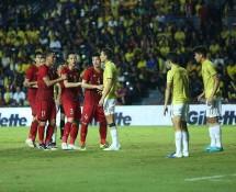 lan dau tien doi tuyen viet nam ngang tam thai lan o vong loai world cup