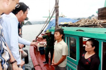 Bí thư Quảng Ninh vào cuộc xử lý việc khai thác thủy sản kiểu tận diệt