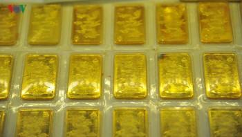 Giá vàng trong nước và thế giới tiếp tục tăng mạnh