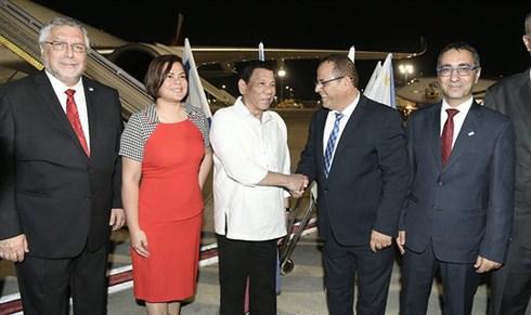Tổng thống Rodrigo Duterte thăm Israel, tìm nguồn thay thế vũ khí Mỹ