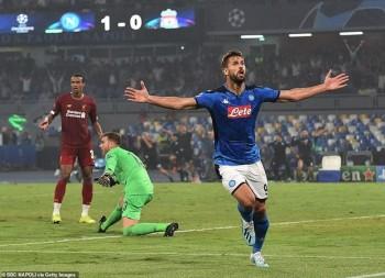 Napoli lại khiến Liverpool cúi mặt rời Italy