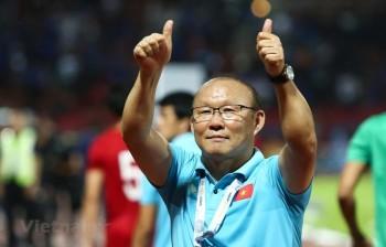 Đâu là vấn đề trong việc gia hạn hợp đồng với HLV Park Hang-seo?