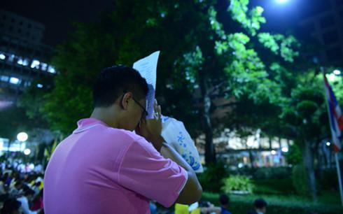 suc khoe nha vua adulyadej chuyen bien xau dan thai lan lo lang
