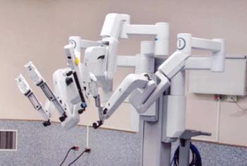 Vay 71 tỷ đồng mua Robot phẫu thuật