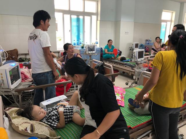 Bệnh tay chân miệng bùng phát trong trường học