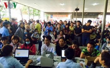 Nhiều hãng xe tại TP HCM bắt đầu mở bán vé Tết