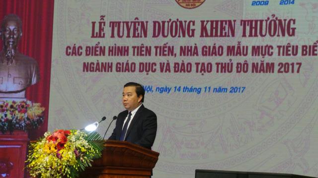 ha noi khen thuong 42 tap the va ca nhan dien hinh cua thu do nam 2017
