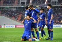 cuc dien bang b aff cup 2018 thai lan ra oai indonesia lam nguy