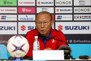 """HLV Park Hang Seo: """"Tôi chưa nghĩ tới bán kết vì còn phải thắng Campuchia"""""""