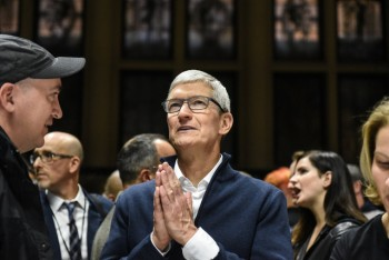 Doanh số iPhone thất vọng: Apple rời 'mỏ vàng', chuyển sang công ty dịch vụ?