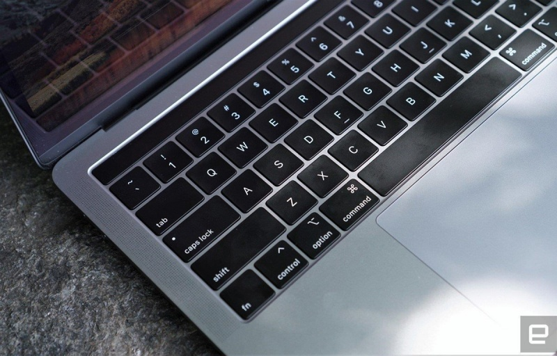bloomberg apple co the sap ra mot mau may tinh macbook pro 16 inch