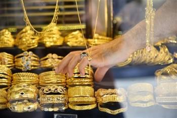 Giá vàng đi xuống khi các chỉ số chứng khoán Mỹ tăng điểm
