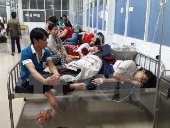 tphcm hang chuc cong nhan nhap vien nghi ngo doc thuc pham