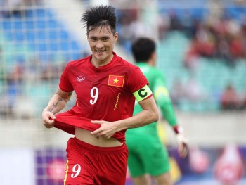 cong vinh van thanh duoc to fourfourtwo ton vinh