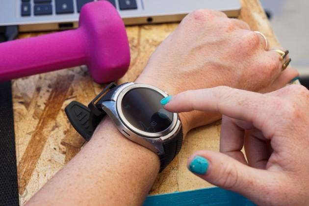 google xac nhan se ra mat hai chiec smartwatch vao dau nam toi