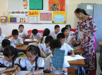 Chính sách nào để chuyên nghiệp hóa giáo viên?