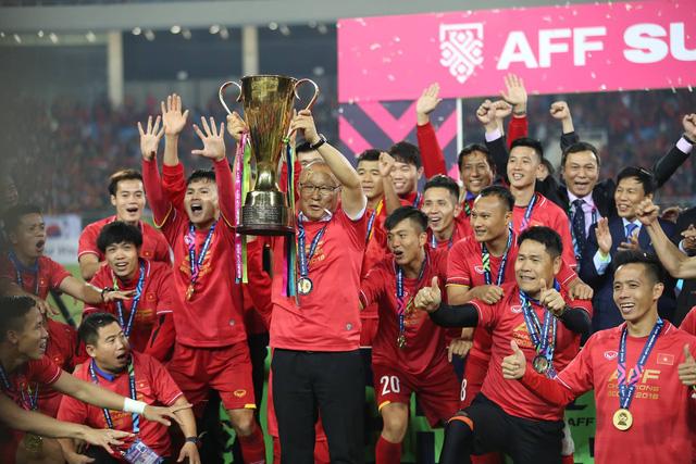 """2 năm HLV Park Hang-seo gắn bó với bóng đá Việt: Những chiến tích """"lần đầu"""""""