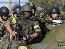 ukraine cao buoc nhom vu trang muon ly khai vi pham lenh ngung ban
