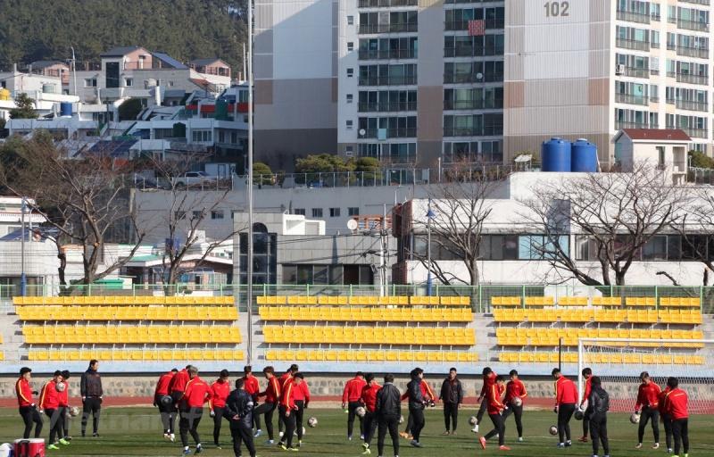 U23 Việt Nam hoà đội sinh viên Hàn Quốc với đội hình thử nghiệm