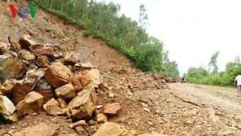 Giao thông tại Quảng Bình thiệt hại nặng sau mưa lũ liên tiếp