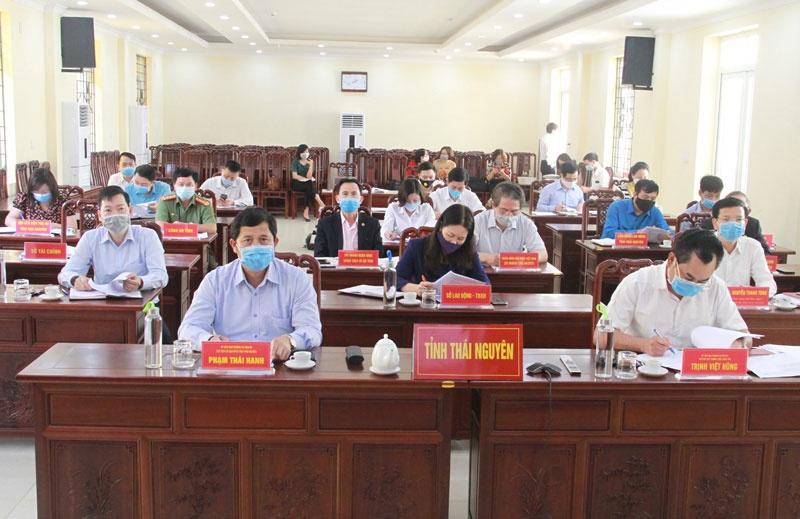 Quán triệt, triển khai và hướng dẫn giám sát việc thực hiện Nghị quyết số 42