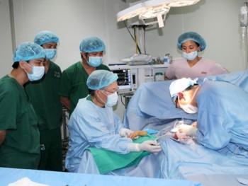 Khám chữa bệnh, phẫu thuật miễn phí cho đối tượng thuộc diện chính sách