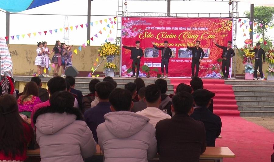Tết đặc trưng của sinh viên Mông Thái Nguyên