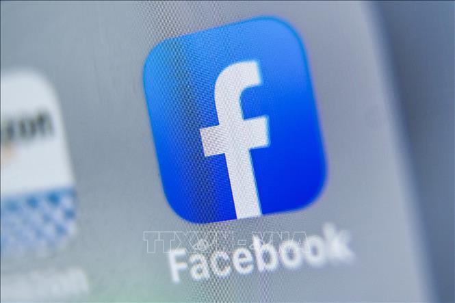 Facebook, Instagram tiếp tục khóa tài khoản của Tổng thống Trump
