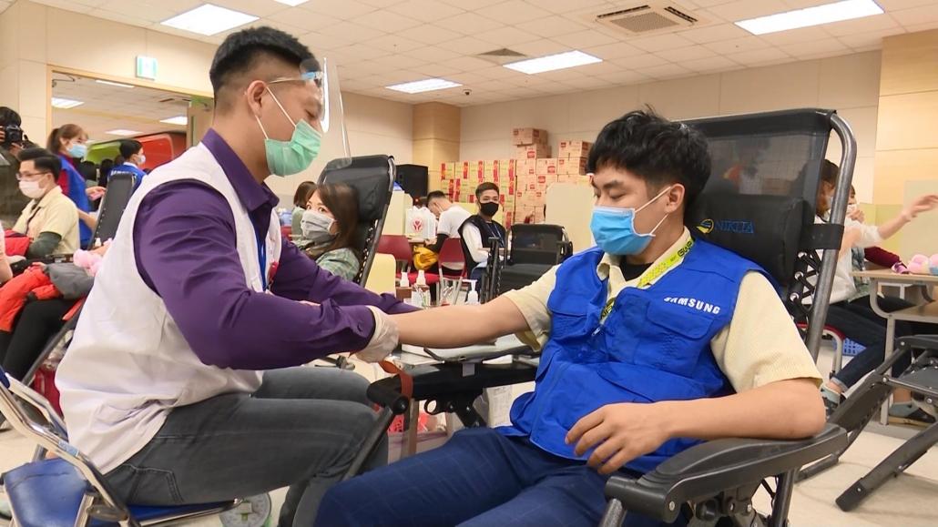 """Chương trình hiến máu tình nguyện """"Chung dòng máu Việt"""""""