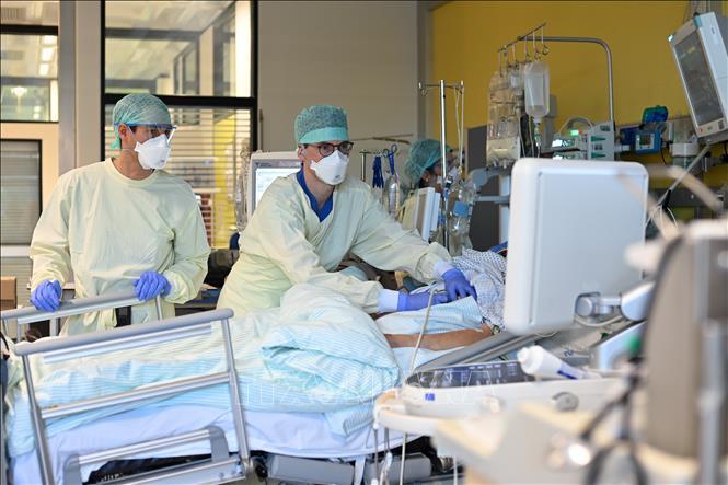 Đức phát hiện biến thể mới của virus SARS-CoV-2 từ Nam Phi