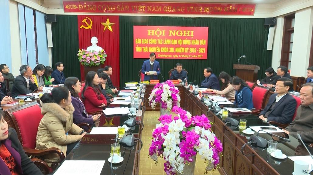 Bàn giao công tác lãnh đạo HĐND tỉnh khóa XIII