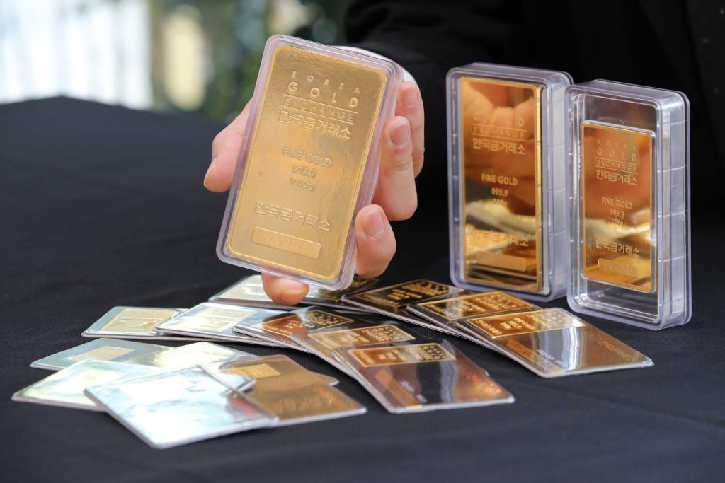 Phiên 10/9, giá vàng châu Á vẫn gần mức 'đỉnh' của một tuần