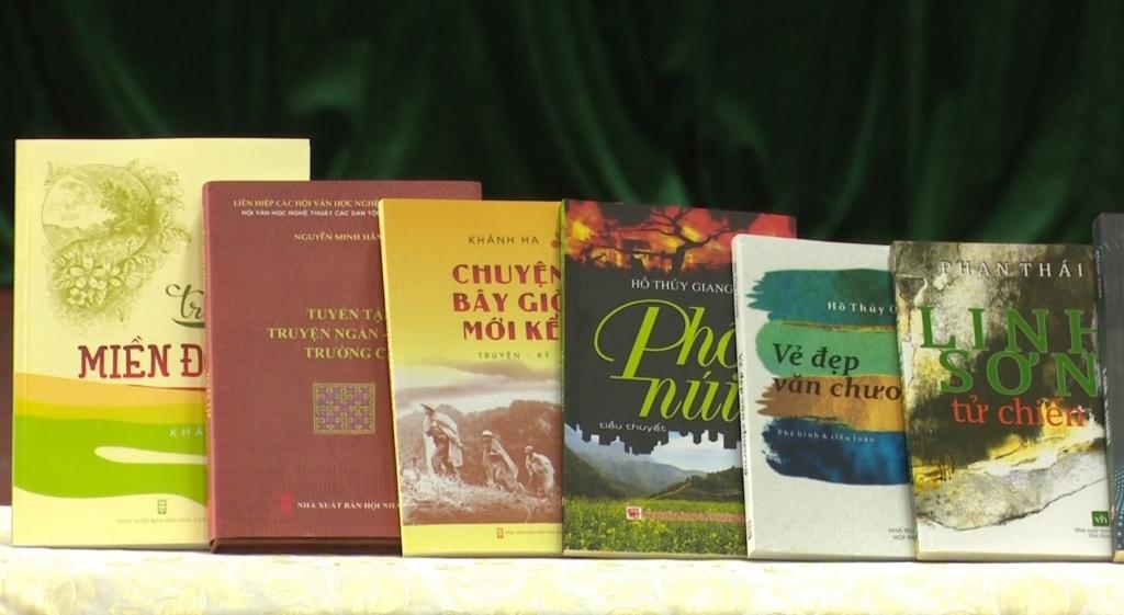 Hội Văn học nghệ thuật tỉnh Thái Nguyên ra mắt và giới thiệu các tác phẩm mới