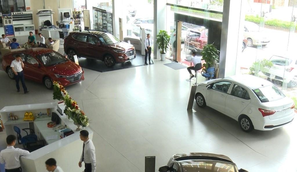 Thị trường ô tô vẫn sôi động trong tháng 7 âm lịch