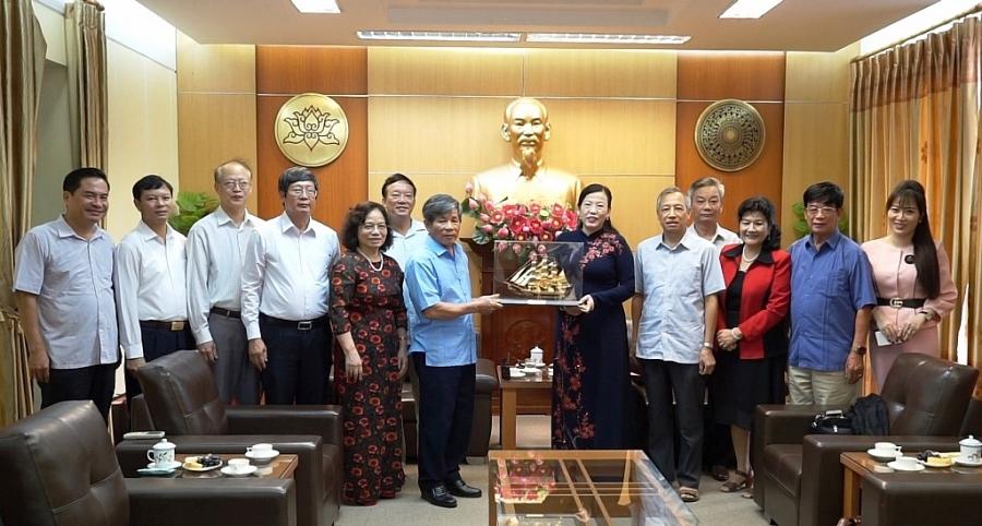 Bí thư Tỉnh ủy tiếp Hội Cán bộ Thái Nguyên tại Hà Nội (Phát trong CTTS tối 16 9)